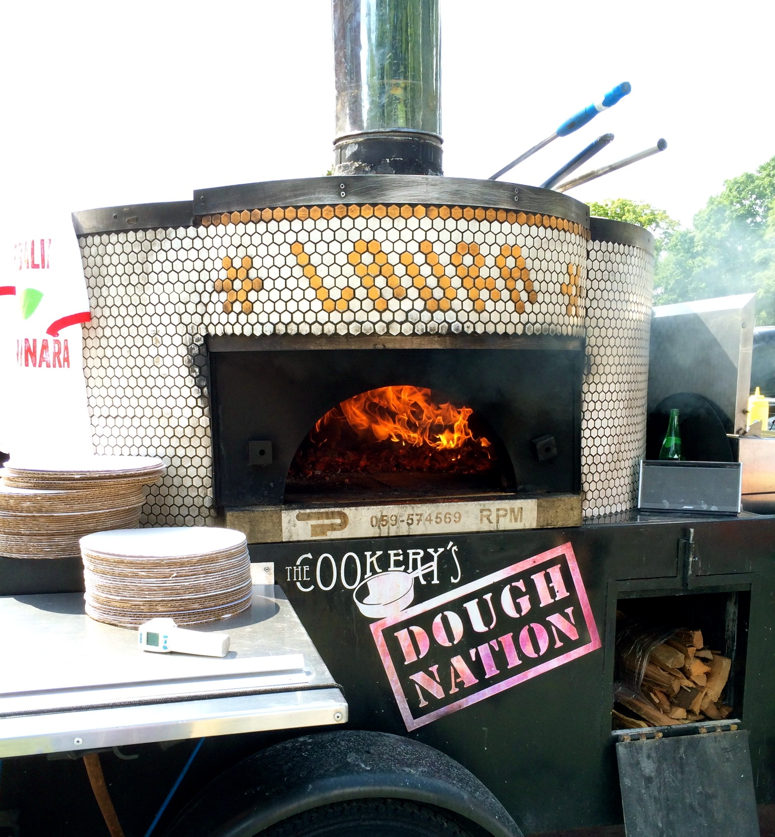 doughnation mobile wood-fire pizza oven